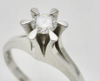 ジャンティールスタッフブログ「立爪ダイヤモンドリングのリフォーム-リフォームフェアのお知らせ-」
