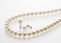 ジャンティールスタッフブログ「成人のお祝いに 真珠のネックレス」