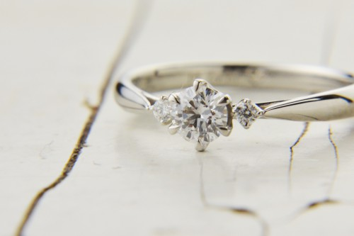 LAPAGE(ラパージュ)|婚約指輪|エンゲージリング|オリオン