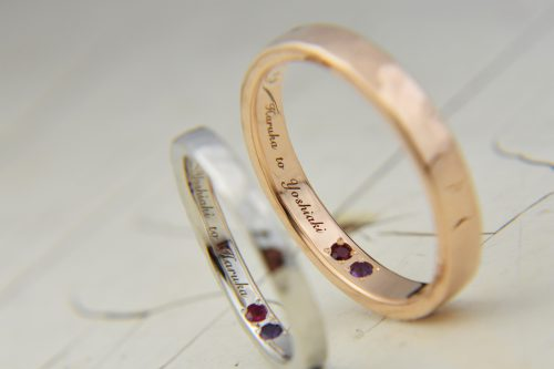 幸せカップル 結婚指輪