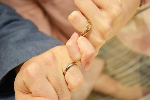 幸せカップル 結婚指輪 婚約指輪